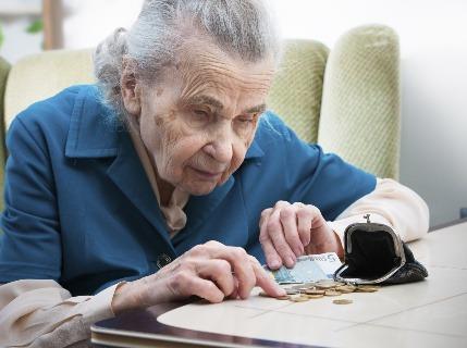 Výška penzií na Slovensku: Pozrite sa, koľko dostáva vdovec, starobný či invalidný dôchodca
