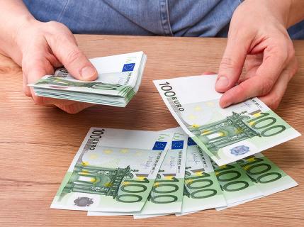 Plat od 1000 eur a vyššie? Tieto pracovné ponuky sú voľné: Poďte si dobre zarobiť