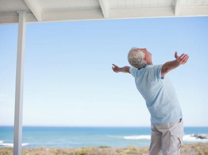Toľkoto peňazí by ste si mali odkladať, ak chcete ísť na dôchodok bohatý