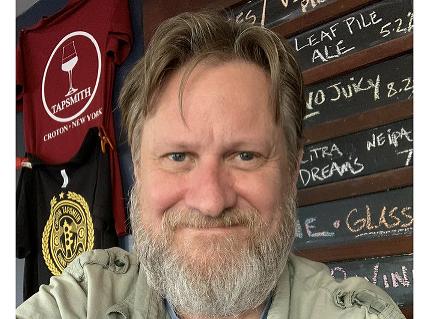 V 54 rokoch si otvoril vlastný bar: Spoznajte príbehy ľudí vo veku 40+, ktoré vás presvedčia, že nikdy nie je neskoro