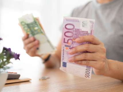 Ako sú na tom slovenské platy? Zarábame trikrát menej ako zamestnanci v Luxembursku