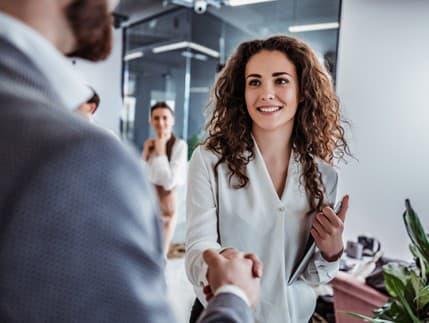 Využite neverbálnu komunikáciu vo svoj prospech: Takto vám pomôže na pohovore
