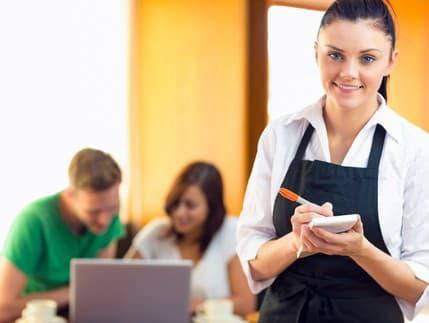 Leto bolo plné nových pracovných ponúk. Ktoré odvetvia sú pre uchádzačov najatraktívnejšie?