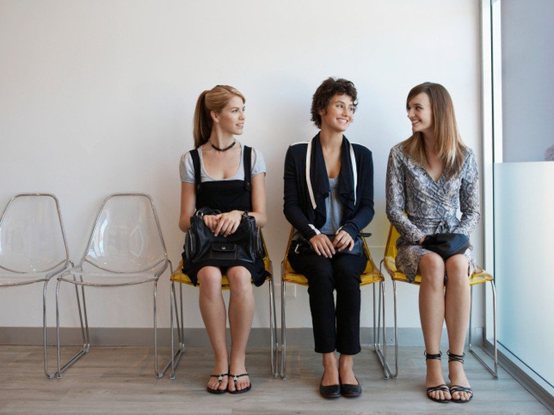 So študentom, žiakom strednej školy alebo študentom dennej formy vysokoškolského štúdia do 26 rokov, je možné uzatvoriť dohodu o brigádnickej práci študentov.