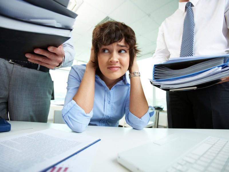 Brigádnici nie sú atraktívni, firmy zaťažujú zamestnancov.