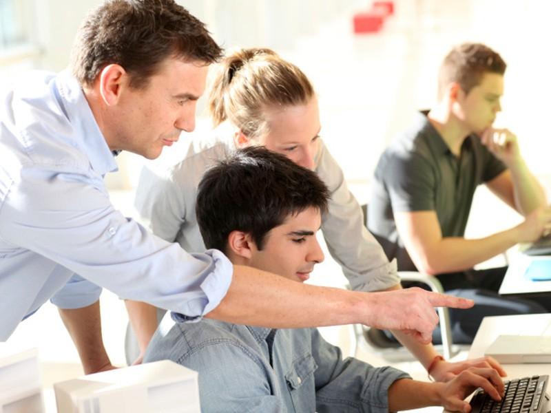 Zamestnávatelia chcú praktické vyučovanie žiakov napriek prekážkam rozbehnúť.