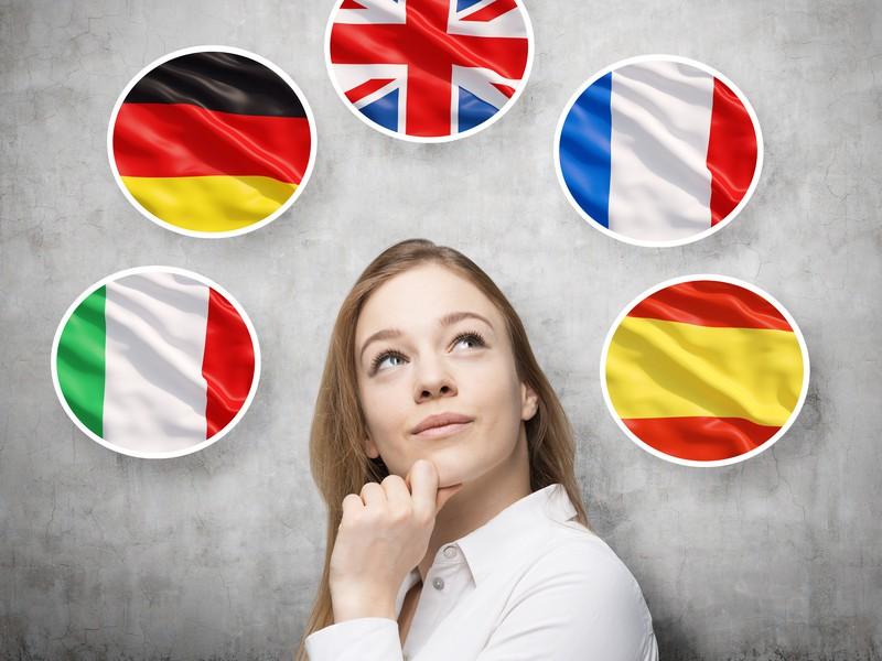Firmy vyžadujú angličtinu, kurzy však zamestnancom neplatia