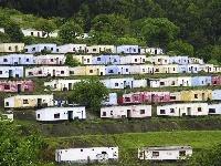 Vysadené domčeky na záhradných