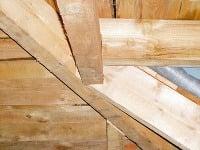 Drevený krov z