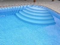 Výhodou bazénov sbetónovými stenami