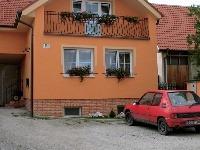 Farba na sokel domu