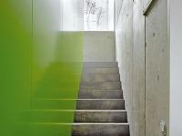 Na podeste schodiska poteší
