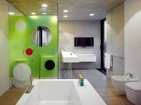 Kúpeľne sú farebne aj