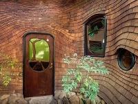 Dom z prírodných materiálov,