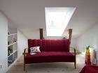 Interiér dopĺňajú aj nábytkové