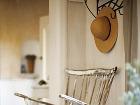 Opotrebovaný nábytok s patinou