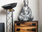 Budha na recyklovanej komode