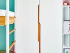 Detaily nábytku vyhotoveného na
