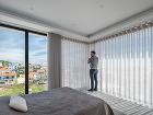 Spálňa s francúzskymi oknami