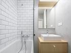 kúpeľňa v bielom s