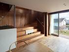točité schodisko v dome