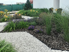 okrasná záhrada pred domom
