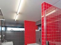 Kúpeľňa na poschodí nasleduje