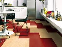 Podlaha z marmolea umožňuje