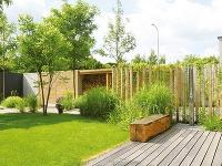 Na neveľkom pozemku vytvorili pri dome úchvatnú mestskú záhradu