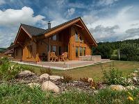 Moderný zrubový dom v nízkoenergetickom štandarde ideálny pre pohodu a relax