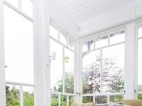 Zasklená veranda ponúka priestor