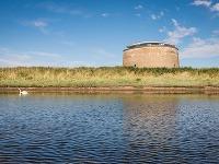 V obrannej veži, ktorá bola 150 rokov opustená, je dnes unikátne bývanie!
