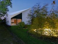 Jedinečný dom v Bernolákove: Takúto úpravu strechy ste na Slovensku ešte nevideli!
