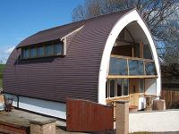 Prečo sa oplatí postaviť si dom zo slamy