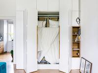 Sklápacia posteľ zabudovaná vskrini