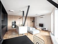 Minimalistický byt s príjemnými detailmi vznikol spojením dvoch susedných bytov