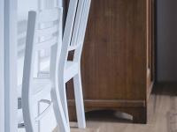 stoličky biele