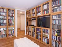 presklené knižnice v dome