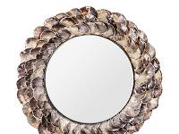 Romantické zrkadlenie. Zrkadlo v