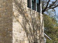 kamenná fasáda