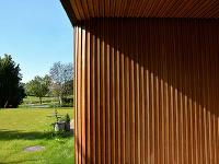 drevené obloženie a zaoblený