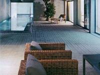 Interiérový bazén prísne geometrického