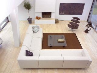 Vyhľadávaný nábytkový solitér Corona