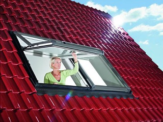 Střešní okno Designo R7 Zdroj: Roto stavební elementy s.r.o. - organizačná zložka podniku zahraničnej osoby