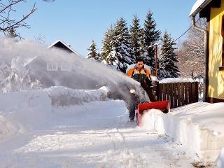 Dvojstupňová snehová fréza zo