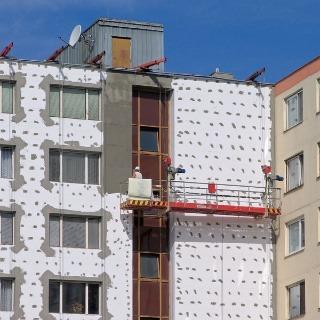 Ak budete po 1. januári 2008 kolaudovať dom, predávať či prenajímať byt, bude sa na vás ako vlastníka budovy (prípadne jej samostatne využívanej časti) vzťahovať povinnosť energetickej certifikácie. Rovnako bude musieť vlastník (prípadne vlastníci) zabezp