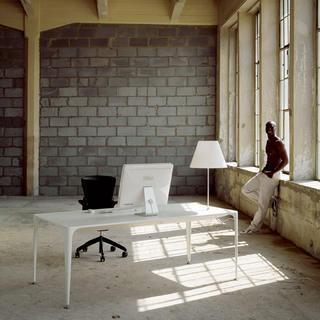Kancelársky stôl – živá