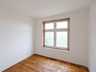 Znížené okenné parapety vytvárajú