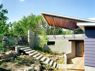 Netradične riešený dom zaujme nielen skvelým výhľadom