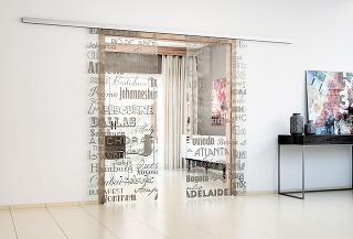 Celosklenený program dverí Sapglass od firmy Sapeli ponúka široké možnosti dverí srôznymi povrchovými úpravami.